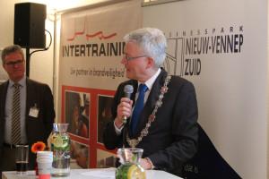 Burgemeester Weterings bij Intertraining